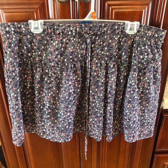 American Eagle Outfitters Dresses & Skirts - American Eagle Women's Grey Floral Skirt